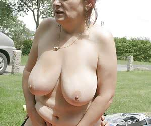Wife Flashing To Strangers